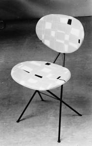 F&T stoeltje 1950, voor het eerst toegepast in slijterij Ferwerda & Tieman
