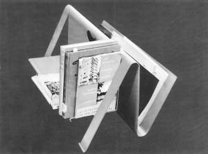 Lectuurbak 1947, uit één plaat aluminium gebogen